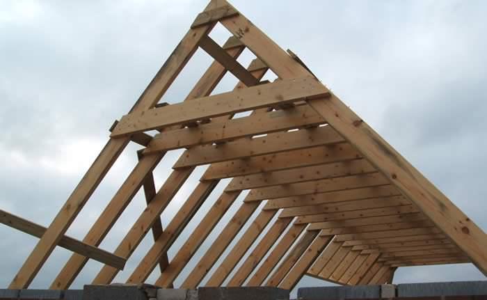 Стропильные системы двухскатных крыш — пошаговая инструкция