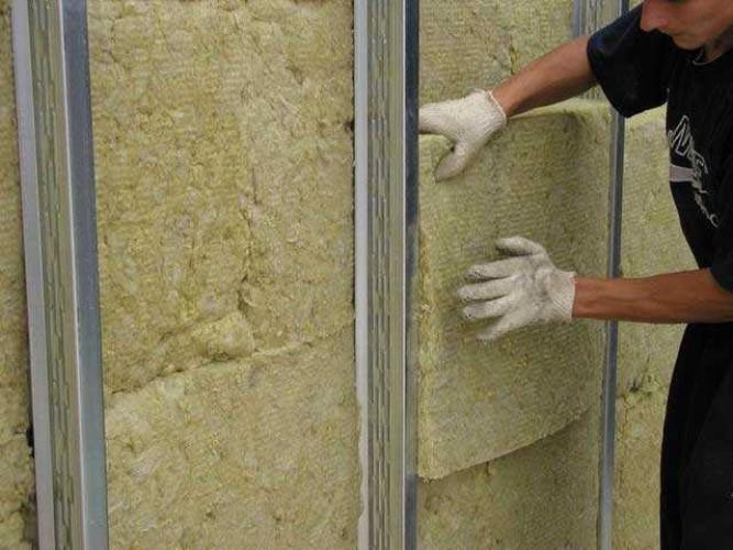 Утеплитель для бани на стены — основные рекомендации