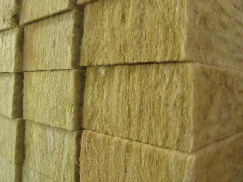 Чем утеплить стены дома снаружи — практические рекомендации