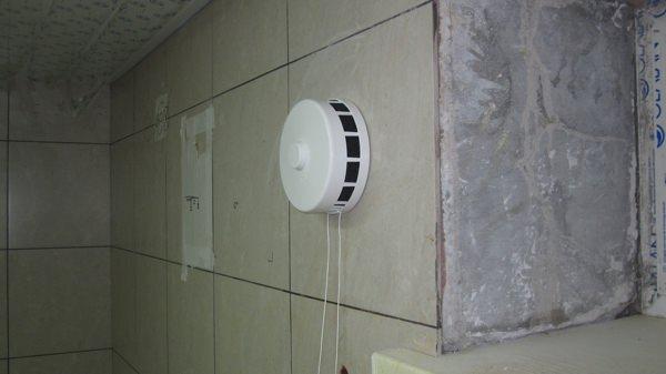 риточный клапан в стену