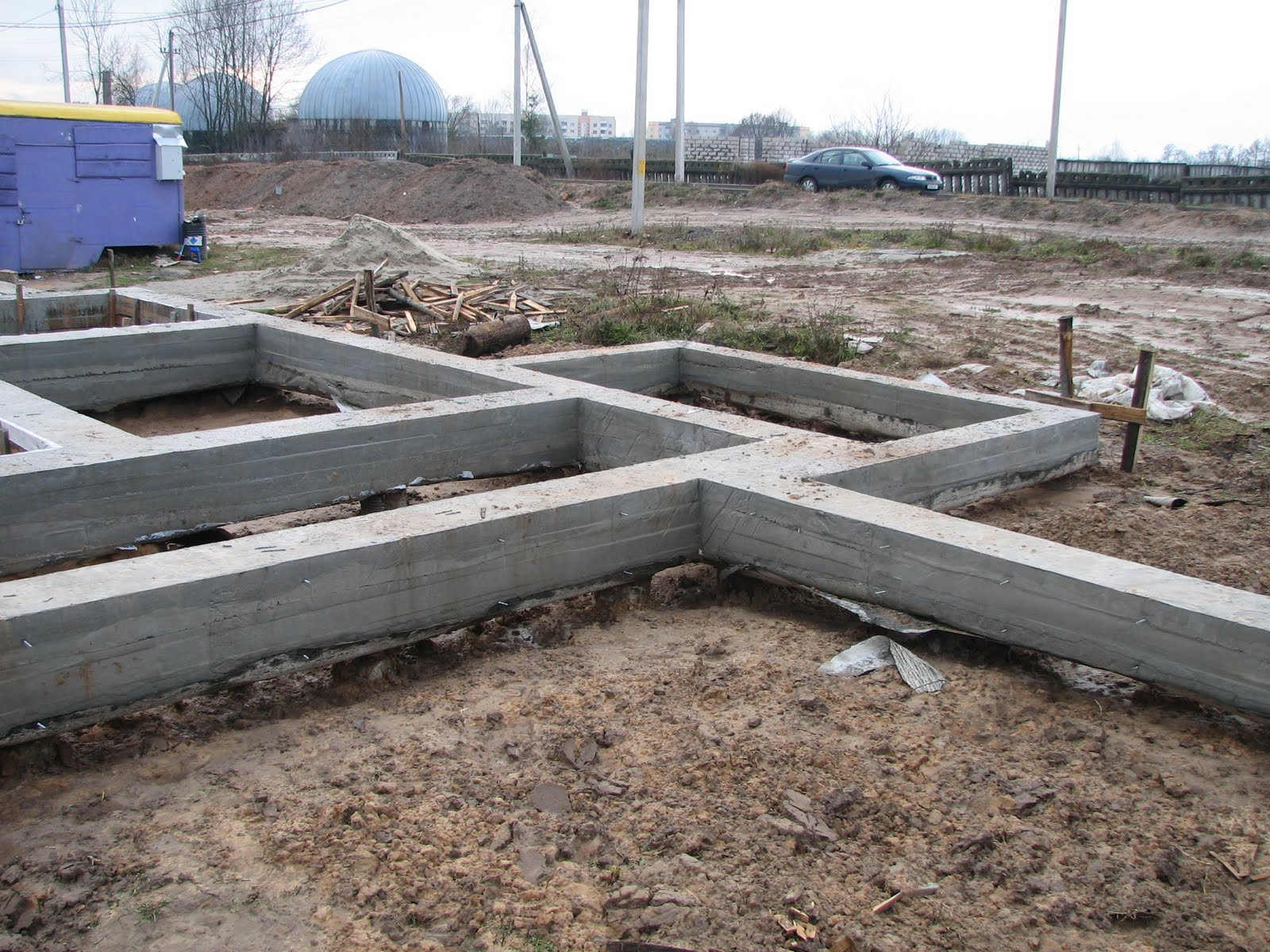 Строительство свайного фундамента с ростверком