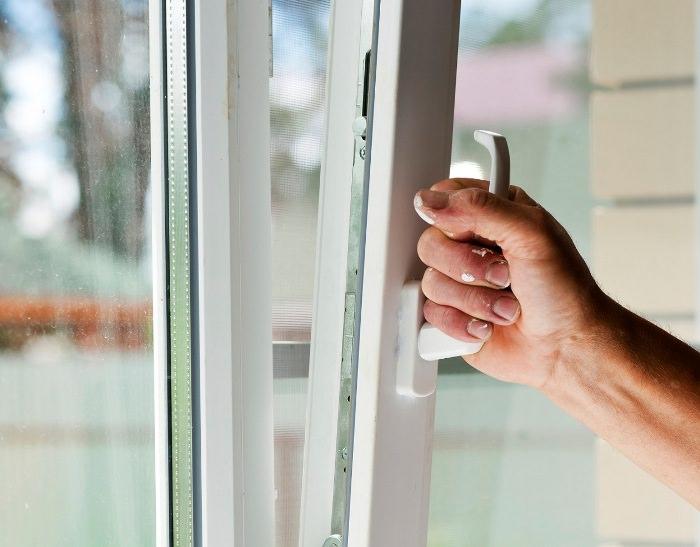 Не закрываются пластиковые окна