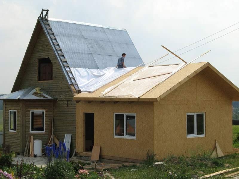 пристройка к деревянной крыше