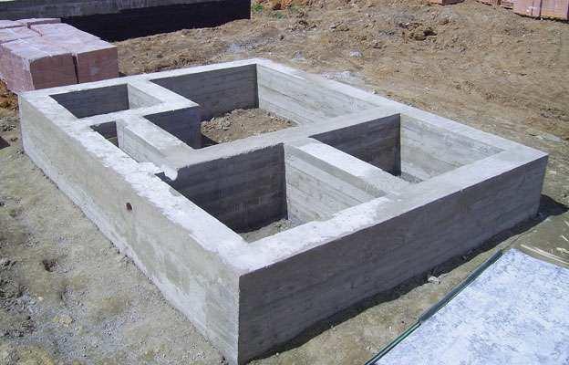 Ленточный фундамент частного дома