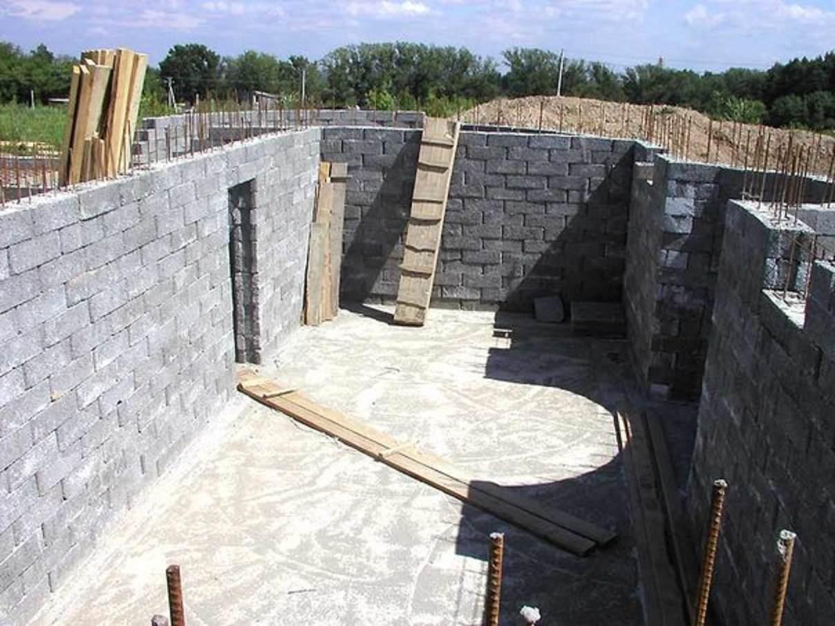 Своими руками построить цокольный этаж фото 885