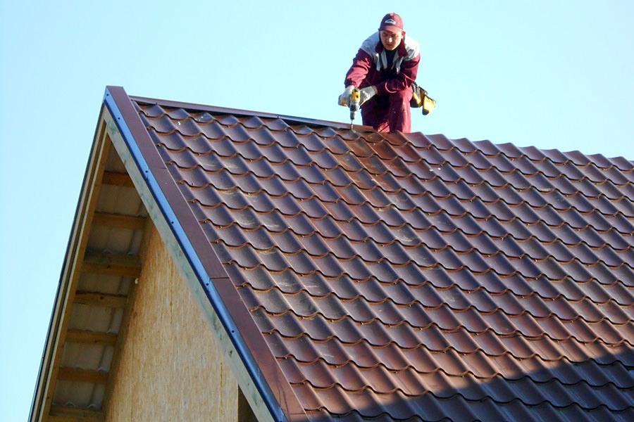 Мужчина и крыша